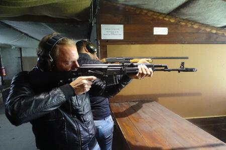 Shooting 4 armes pour mon EVG à Riga | Enterrement de vie de garçon | idée enterrement de vie de garçon | activité enterrement de vie de garçon | idée evg | activité evg