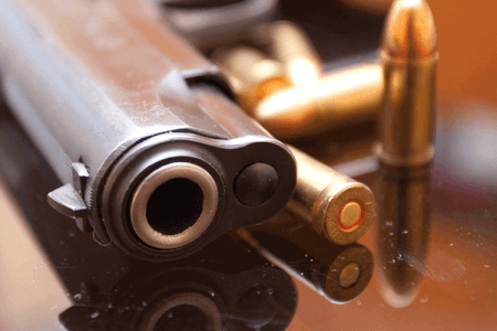 Schießen mit 2 Waffen für meinen JGA in Riga | Junggesellenabschied