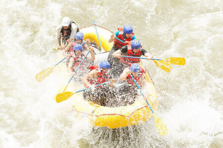 White Water Rafting Manchester for your stag weekend with stag Maximise