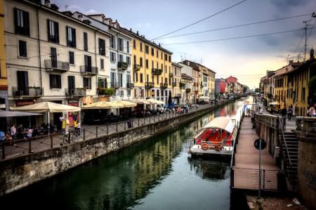 Croisière sur les Canaux pour mon EVG à Milan | Enterrement de vie de garçon | idée enterrement de vie de garçon | activité enterrement de vie de garçon | idée evg | activité evg