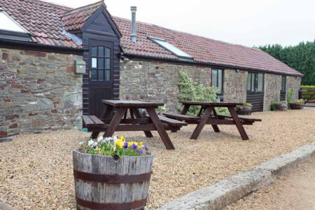 Cottage Accommodation Bristol for your maximise hen party