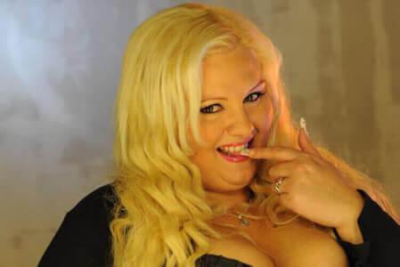 Striptease Extra Large pour mon EVG à Cracovie | Enterrement de vie de garçon | idée enterrement de vie de garçon | activité enterrement de vie de garçon | idée evg | activité evg