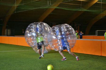 Bubble-Fußball in Hamburg für deine Junggesellenabschiede mit Crazy-JGA