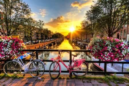 Låt Crazy Svensexa planera den ultimata svensexan i Amsterdam! Allt från Red Light District till god mat och öl! Se alla våra erbjudanden!