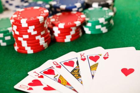 Poker pour mon EVJF à Crazy Villa Luigny   Enterrement de vie de jeune fille   idée evjf   idée enterrement de vie de jeune fille   activité evjf  activité enterrement de vie de jeune fille