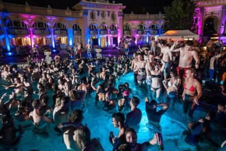Budapest är, enligt oss, toppdestinationen för svensexor i Europa! Låt Crazy Svensexa planera den ultimata svensexan åt er i Budapest! Se alla våra erbjudanden!