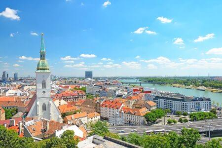 Crazy-evG organise votre enterrement de vie de garçon à Bratislava, découvrez nos packages ou choisissez votre programme à la carte.