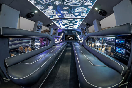 XXL Limo Airport Transfers for my Cologne Hen Party | Maximise Hen Weekends