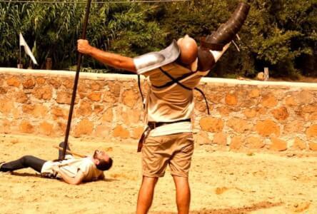 Cours de Gladiateur  pour mon EVG à Rome | Enterrement de vie de garçon | idée enterrement de vie de garçon | activité enterrement de vie de garçon | idée evg | activité evg