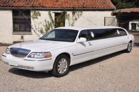 Lincoln Limousine pour mon EVG à Bordeaux | Enterrement de vie de garçon | idée enterrement de vie de garçon | activité enterrement de vie de garçon | idée evg | activité evg