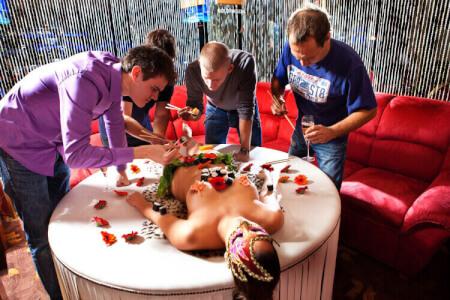 Dîner Body Sushi pour mon EVG à Sofia | Enterrement de vie de garçon | idée enterrement de vie de garçon | activité enterrement de vie de garçon | idée evg | activité evg