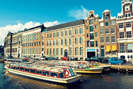 Booze Cruise Amsterdam, hen do Amsterdam, hen Party Activity