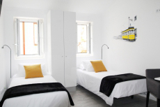 Arty Apartment for my Lisbonne Hen Party | Maximise Hen Weekends