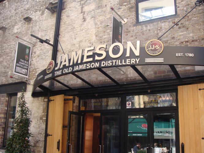 Jameson Distillery Tour for my Dublin Hen Party | Maximise Hen Weekends