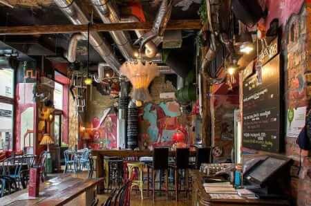 Ruin Bars Pub Crawl, Stag Do Budapest, stag do ideas Budapest