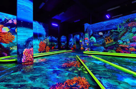 Neonlight Minigolf for my Frankfurt Stag Do | Maximise Stag Weekends