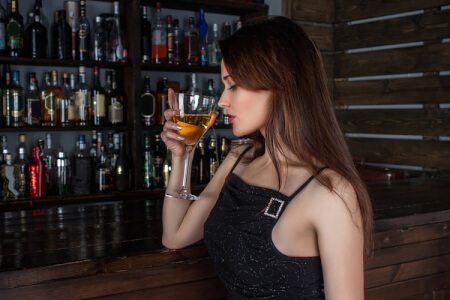 Guided Bar Crawl in the West End London for your hen weekend with hen Maximise