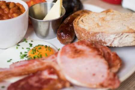 Brunch with Bottomless Prosecco Newcastle for your hen weekend with hen Maximise