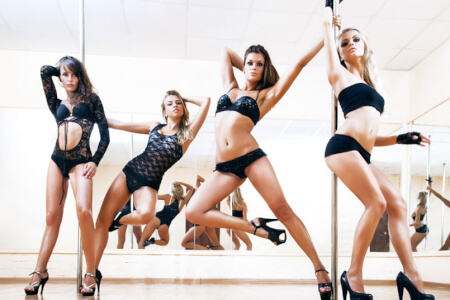Pole Dancing Class for my Cologne Hen Party | Maximise Hen Weekends
