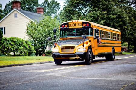 American Schoolbus Flughafentransfer für meinen JGA in Hamburg | Junggesellenabschied