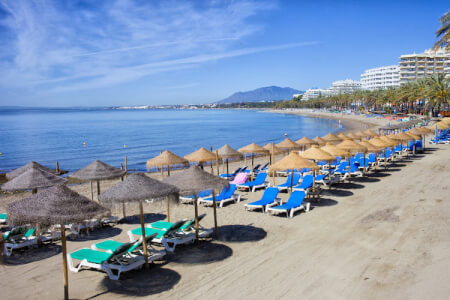 Incredible hen parties in Marbella with the best luxury hotels, hen party activities, amazing nightlife and more.