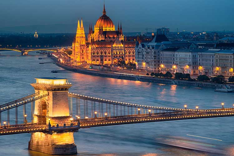 Create an incredible hen party in Budapest from the best hen party activities, nightlife and accommodation options.