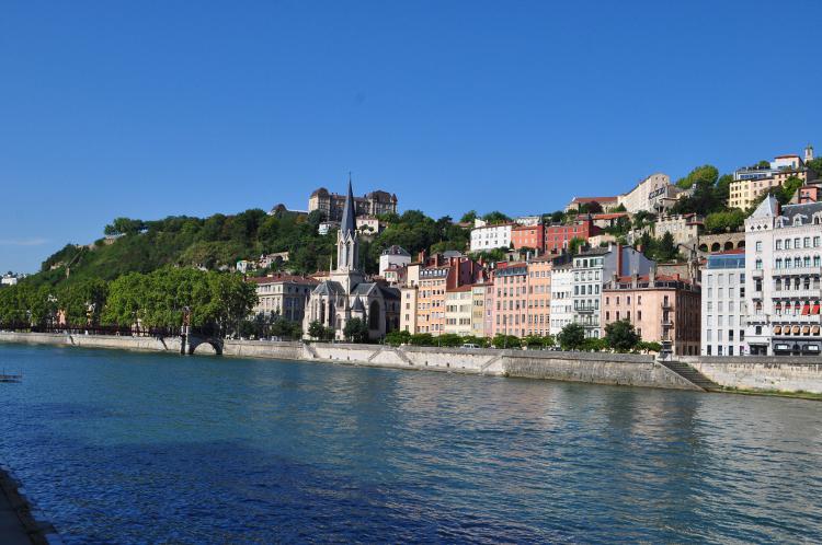 Crazy-Weekend organise votre weekend entre amis à Lyon, découvrez nos packages ou choisissez votre programme à la carte.