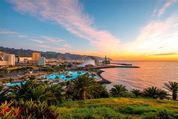 Want a little slice of Heaven for your hen party? A Tenerife hen weekend is your answer.Choose from our incredible hen party activities, nightlife, hotels and hen weekend packages for the most amazing and relaxing hen party.