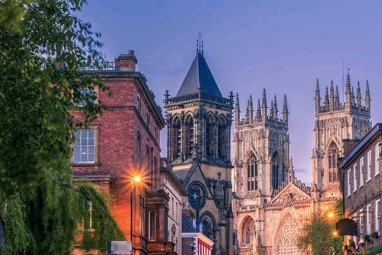 Build a charming hen party in York with amazing hen party activities, nightlife and hotels on offer for your last weekend of freedom. Choose a York Hen Weekend or create your own York Hen Party Package from scratch.