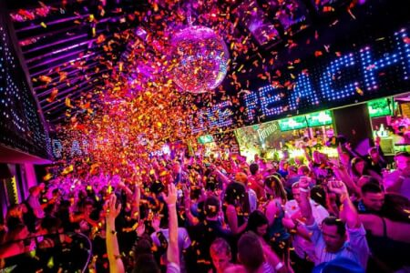 VIP Club | JGA in Hamburg | Crazy-Junggesellinnenabschied