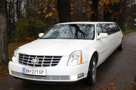 Transfer Cadillac Limousine  pour mon EVG à Vienne | Enterrement de vie de garçon | idée enterrement de vie de garçon | activité enterrement de vie de garçon | idée evg | activité evg