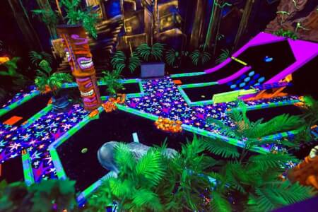 Glow in the Dark Golf for my Amsterdam Hen Party | Maximise Hen Weekends