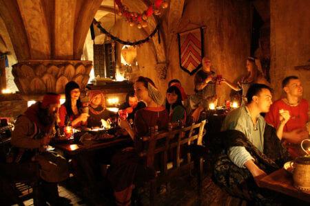 Banquet Medieval  pour mon EVG à Vilnius | Enterrement de vie de garçon | idée enterrement de vie de garçon | activité enterrement de vie de garçon | idée evg | activité evg