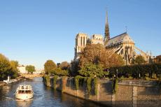 Apéro sur la Seine  pour mon séminaire à Paris | Séminaire | idée séminaire | voyage d'affaires | activité séminaire | Incentive | séminaire festif | collègues | congrès | colloque | meeting | conférence