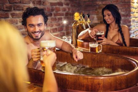 Beer Spa & Open Bar pour mon EVG à Budapest | Enterrement de vie de garçon | idée enterrement de vie de garçon | activité enterrement de vie de garçon | idée evg | activité evg