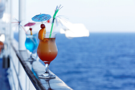Booze Cruise for my Mallorca Hen Party | Maximise Hen Weekends