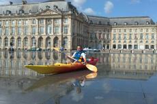 Canoë sur la Garonne pour mon EVG à Bordeaux | Enterrement de vie de garçon | idée enterrement de vie de garçon | activité enterrement de vie de garçon | idée evg | activité evg
