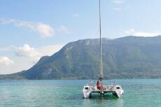 Catamaran  pour mon EVG à Annecy | Enterrement de vie de garçon | idée enterrement de vie de garçon | activité enterrement de vie de garçon | idée evg | activité evg