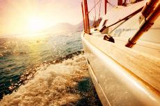 Catamaran Sunset  pour mon EVJF à Annecy | Enterrement de vie de jeune fille | idée evjf | idée enterrement de vie de jeune fille | activité evjf |activité enterrement de vie de jeune fille