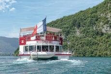 Déjeuner sur le lac pour mon EVJF à Annecy | Enterrement de vie de jeune fille | idée evjf | idée enterrement de vie de jeune fille | activité evjf |activité enterrement de vie de jeune fille