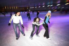 Disco Ice-Skating für meinen JGA in Munich | Junggesellenabschied