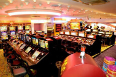 Entrée et jeu au Casino  pour mon EVG à Nice | Enterrement de vie de garçon | idée enterrement de vie de garçon | activité enterrement de vie de garçon | idée evg | activité evg