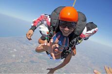 Fallschirmsprung&Video für meinen JGA in Rome | Junggesellenabschied