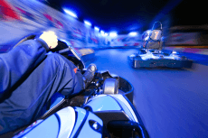 GP Karting indoor pour mon EVG à Dijon | Enterrement de vie de garçon | idée enterrement de vie de garçon | activité enterrement de vie de garçon | idée evg | activité evg