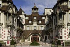 Hôtel 5*  pour mon EVG à Deauville   Enterrement de vie de garçon   idée enterrement de vie de garçon   activité enterrement de vie de garçon   idée evg   activité evg