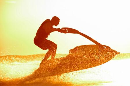 Jet Ski pour mon EVJF à Malte | Enterrement de vie de jeune fille | idée evjf | idée enterrement de vie de jeune fille | activité evjf |activité enterrement de vie de jeune fille