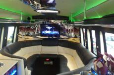 Limo Bus 2h pour mon EVG à Rome | Enterrement de vie de garçon | idée enterrement de vie de garçon | activité enterrement de vie de garçon | idée evg | activité evg