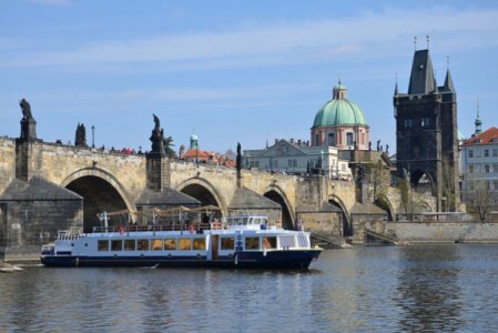 River Cruise with Unlimited Drinks for my Prague Hen Party | Maximise Hen Weekends