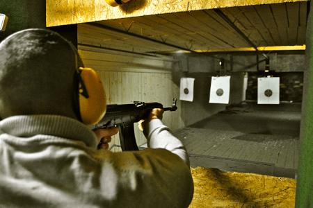 Schießen mit 4 Waffen für meinen JGA in Bratislava | Junggesellenabschied