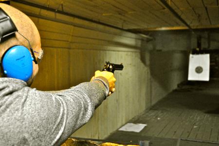 Shooting 2 armes pour mon EVG à Berlin | Enterrement de vie de garçon | idée enterrement de vie de garçon | activité enterrement de vie de garçon | idée evg | activité evg